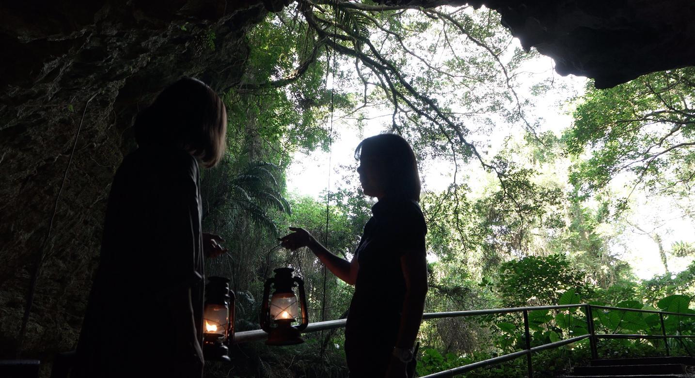 ガンガラーの谷 生命の神秘を辿る旅へ 守り継がれる神秘の領域へ